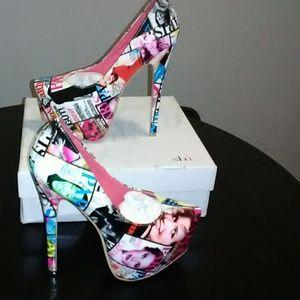 Magazine heels